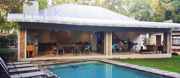 pretoria backpackers, clydesdale backpackers, sunnyside backpackers, accommodation, bed and breakfast, free wifi, luxury dorms, group accommodation, restaurant