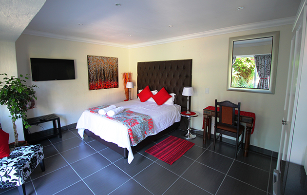 house on morninghill, bedfortview accommodation, bedfortview, self catering, bed and breakfast, bnb, guest house, johannesburg